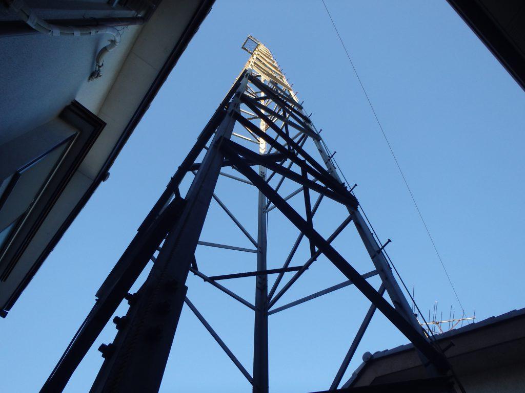 鉄塔高 20m