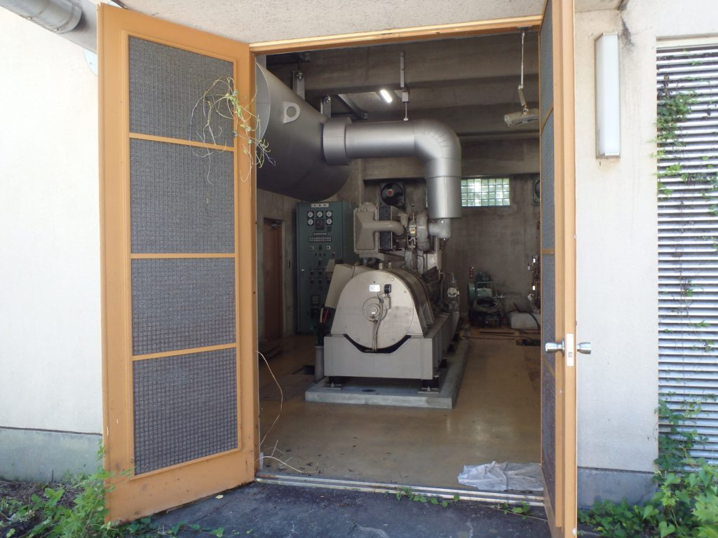 発電機室 入口